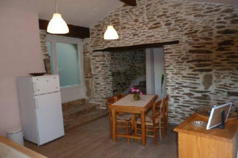 Location de vacances - Gîte à Malbosc - cuisine coin repas