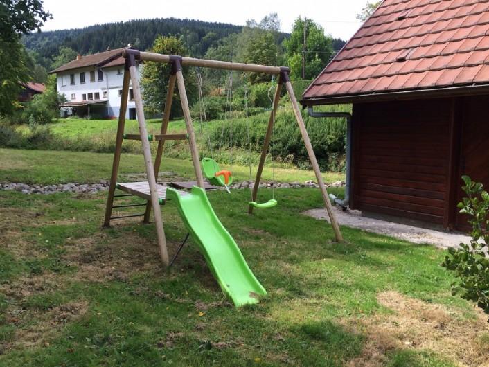 Location de vacances - Chalet à Xonrupt-Longemer - balançoire pour les enfants