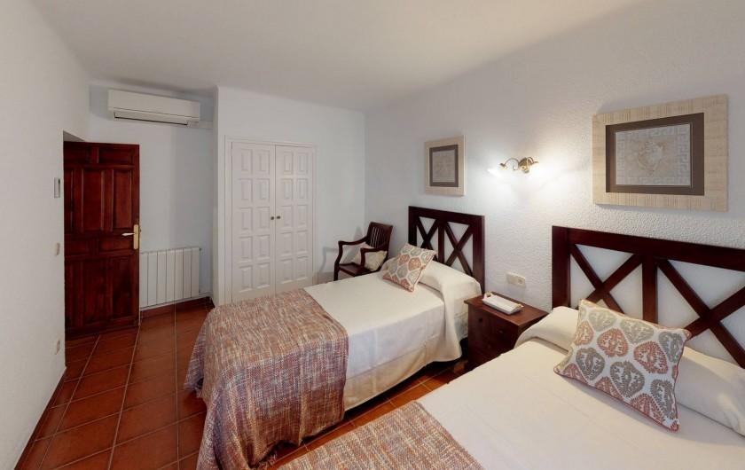 Location de vacances - Mas à Sant Antoni de Calonge - Suite confort à deux lits avec bain privée