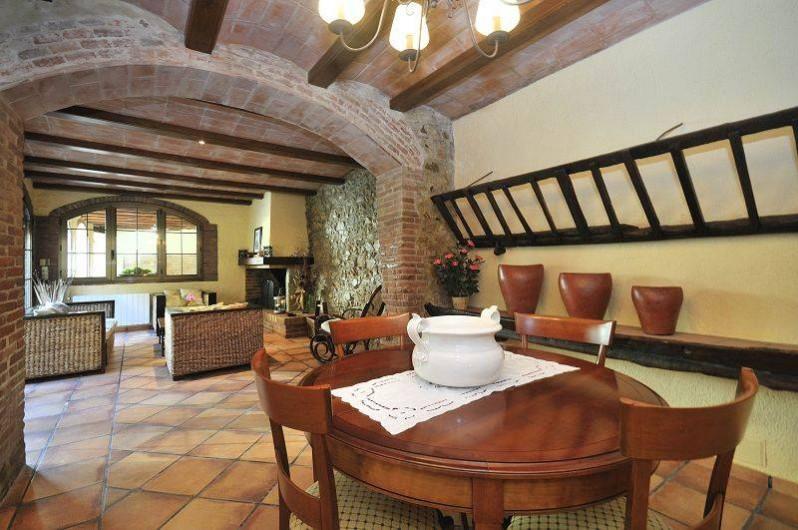 Location de vacances - Mas à Sant Antoni de Calonge - La salle à manger classique authentique