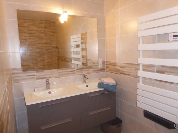 Location de vacances - Gîte à Mirepeisset - Salle de bain