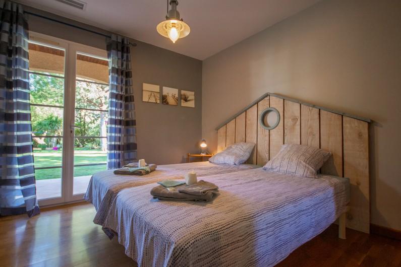 Location de vacances - Villa à Pépieux - SALLE D EAU CHAMBRE DES ROSES ET CHAMBRE BLEU
