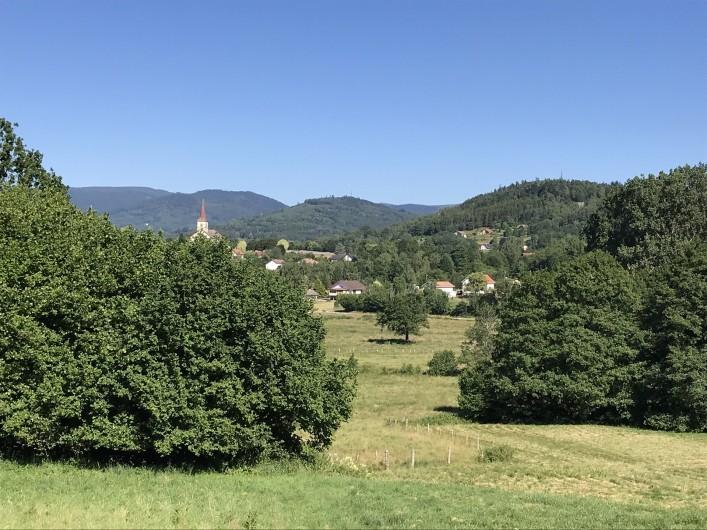 Location de vacances - Chalet à Anould - VUE DU VILLAGE