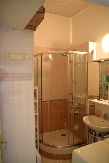 Location de vacances - Appartement à Fréjus - Salle de bains
