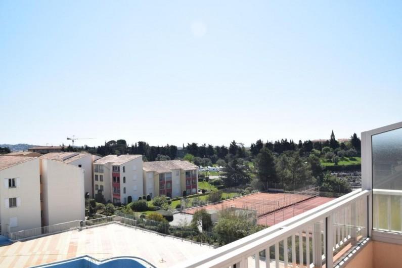 Location de vacances - Appartement à Fréjus - Terrasse