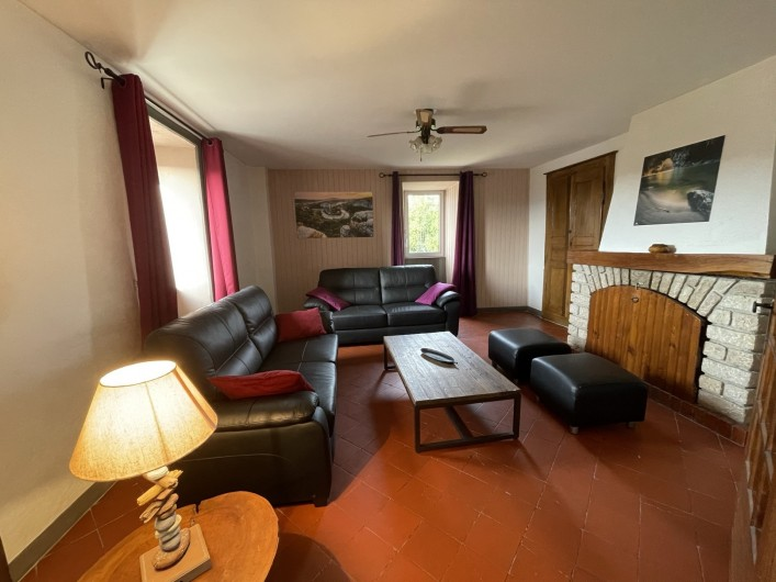 Location de vacances - Gîte à Joyeuse - Interieur gite Oustaou (9-10 pers)