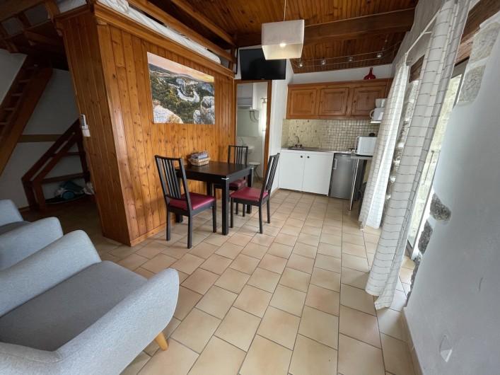 Location de vacances - Gîte à Joyeuse - Interieur gite Fialage (2-3 pers)