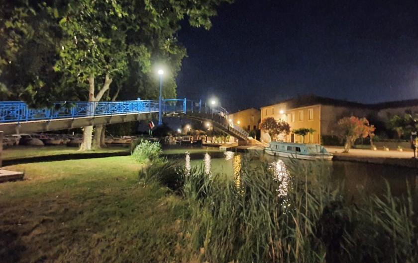 Location de vacances - Villa à Homps - Pont piéton sur le canal du midi