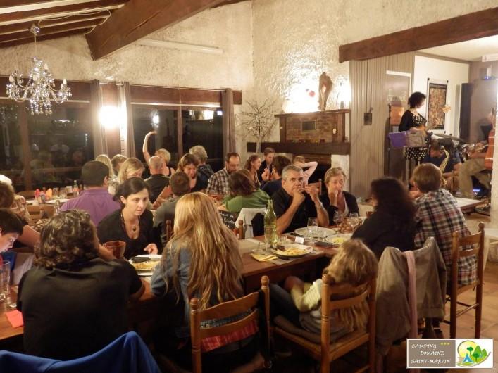 Location de vacances - Bungalow - Mobilhome à Casteil - soirée musicale