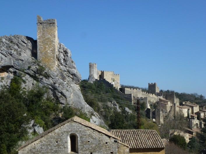 Location de vacances - Appartement à Saint-Montan - Pigeonnier- Eglise San Samonta - classé monument historique- Sant Montan