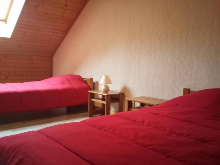 Location de vacances - Chalet à Lescheraines - chambre 1 étage
