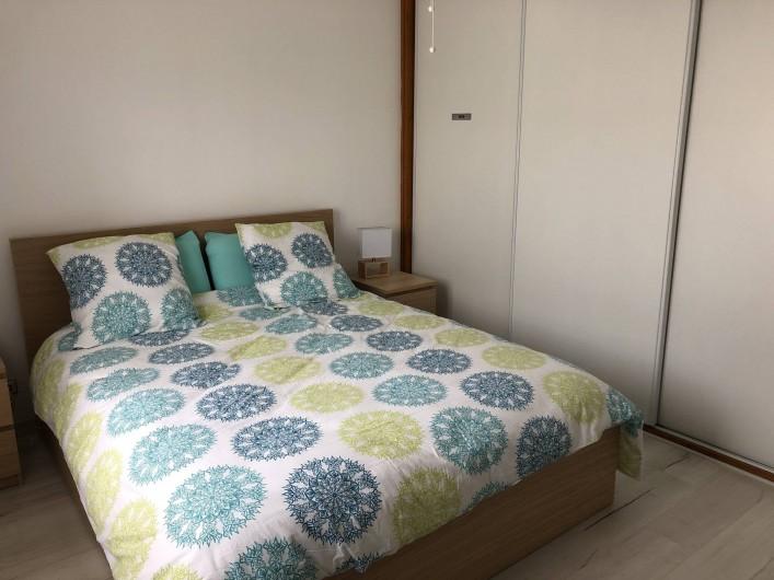 Location de vacances - Villa à La Teste-de-Buch - Chambre Les cabanes  lit queen size
