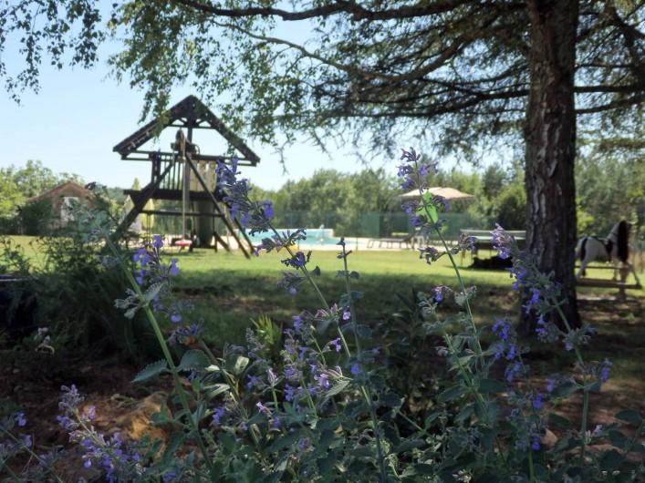Location de vacances - Gîte à Bouillac - A l'ombre du grand cèdre