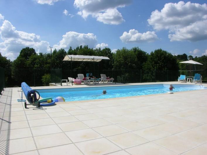 Location de vacances - Gîte à Bouillac - piscine chauffée de mai à septembre