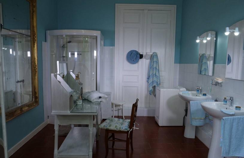 Location de vacances - Maison - Villa à Bessan - Large and luminous Bath room
