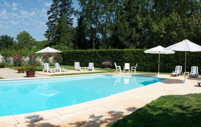 """Location de vacances - Maison - Villa à Bessan - The pool area the """"second place to be"""" !"""
