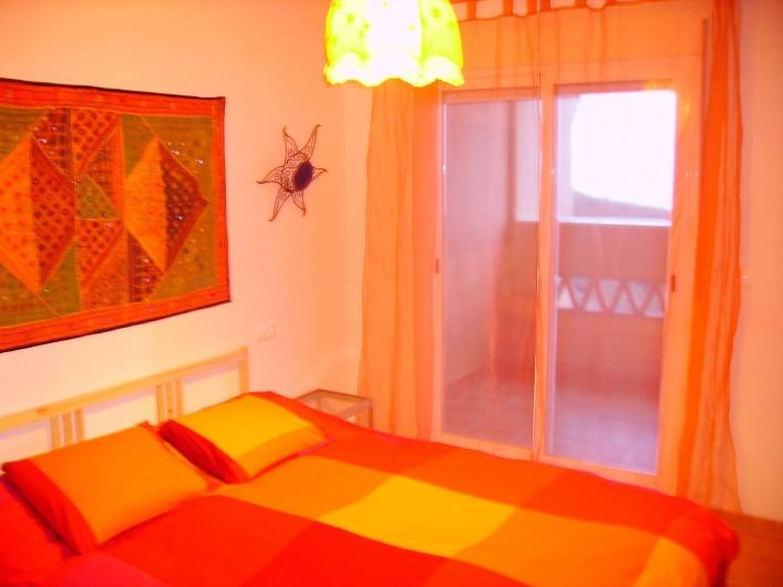 Location de vacances - Maison - Villa à Torrox Costa - Chambre avec lit 140 balcon vue sur la mer