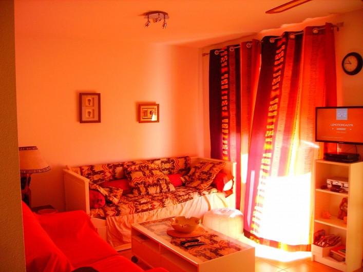 Location de vacances - Maison - Villa à Torrox Costa - Salon avec accès sur le balcon