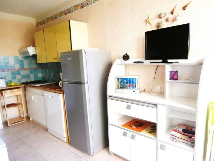 Location de vacances - Studio à Gruissan - séjour  coin cuisine