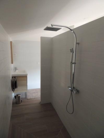 """Location de vacances - Mas à Barbentane - 2 chambres ont leur propre douche """"walking shower"""""""