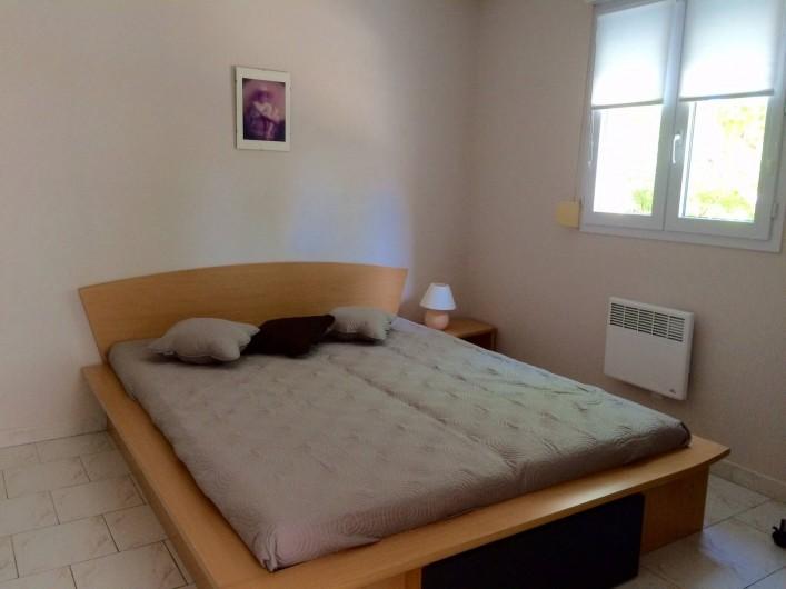 Location de vacances - Villa à Frontignan - Chambre avec lit en 160