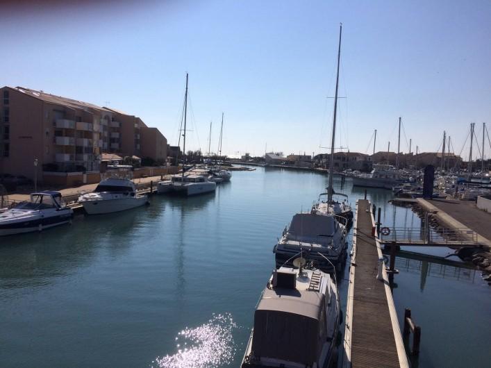 Location de vacances - Villa à Frontignan - Canal du Rhône et petit port qui ne manquent pas de charme
