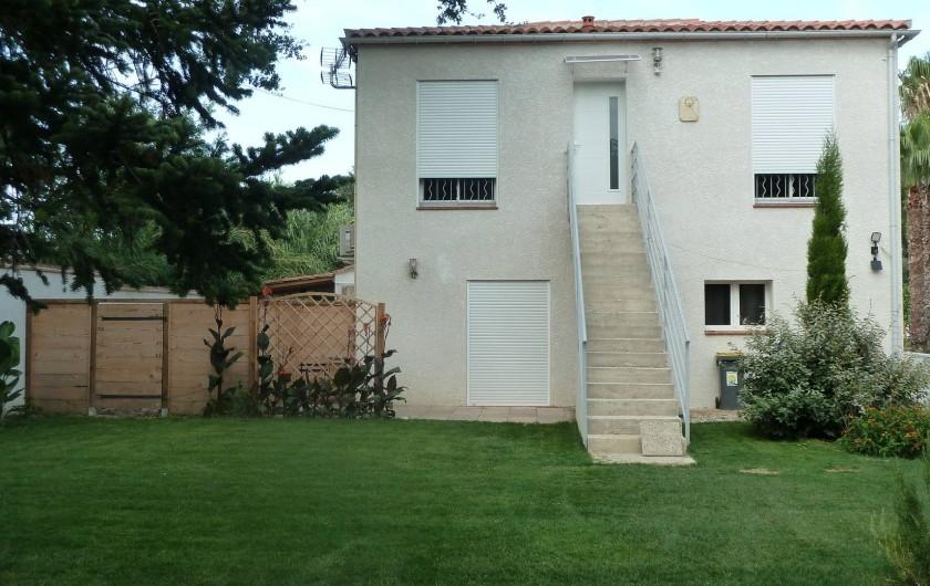 Location de vacances - Appartement à Montescot - l'appartement est à l'étage