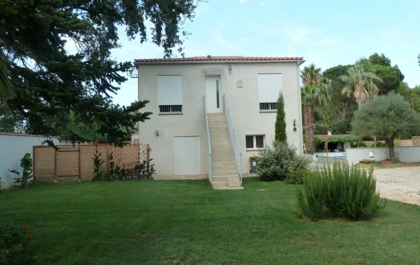 Location de vacances - Appartement à Montescot - le jardin