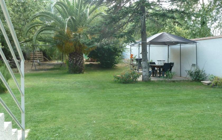 Location de vacances - Appartement à Montescot - le coin barbecue