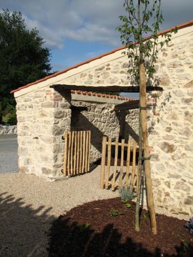 Location de vacances - Gîte à Les Clouzeaux - L'entrée du gîte