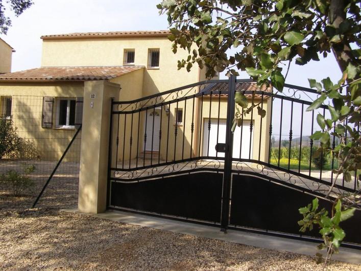 Location de vacances - Villa à Argilliers - portail