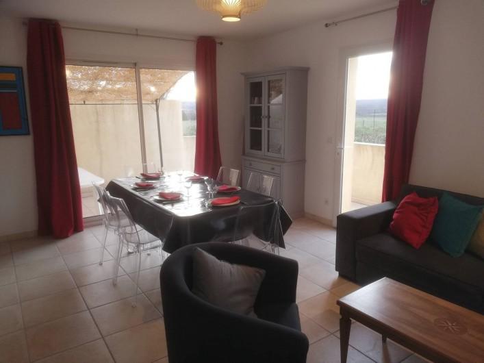 Location de vacances - Villa à Argilliers - séjour