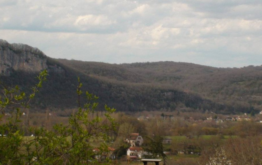 Location de vacances - Gîte à Le Bougayrou - Falaise et Village de St Sozy
