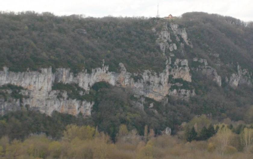 Location de vacances - Gîte à Le Bougayrou - Falaise du Roc de Monge