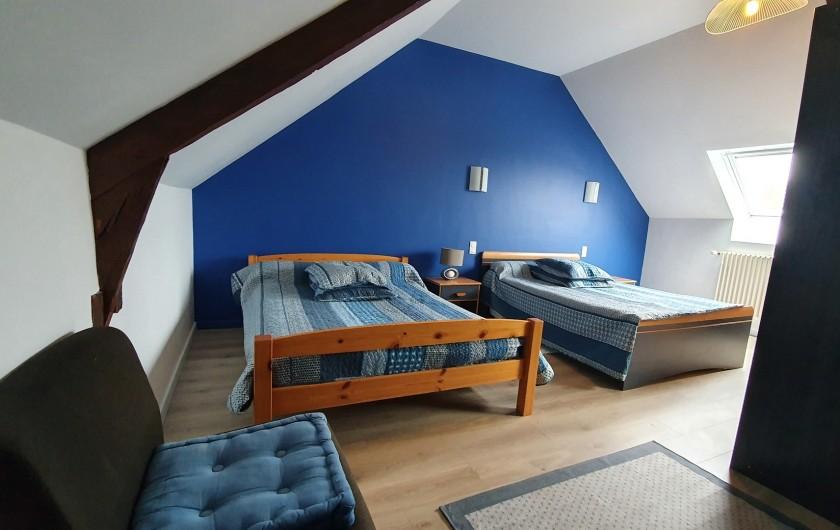Location de vacances - Gîte à Saint-Gouéno - Chambre n°3 à l'étage Bedroom n°3 upstairs  2 lits doubles / 2 double beds