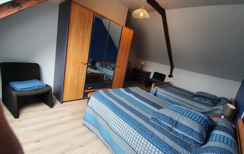 Location de vacances - Gîte à Saint-Gouéno - Chambre n°3 à l'étage Bedroom n°2 upstairs  2 lits doubles / 2 double beds